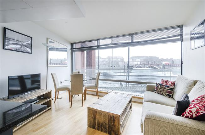 Asking Price £565,000, 1 Bedroom Flat For Sale in London, SE1