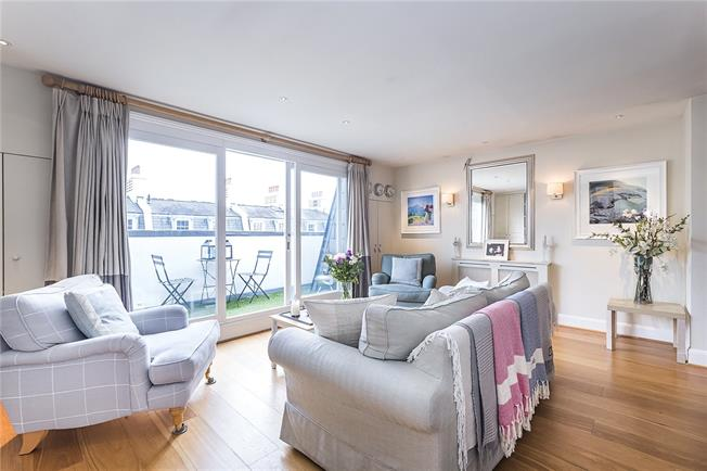 Asking Price £1,295,000, 2 Bedroom Maisonette For Sale in London, SW1V