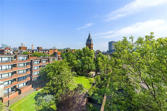 Asking Price £795,000, 3 Bedroom Flat For Sale in London, SW1V