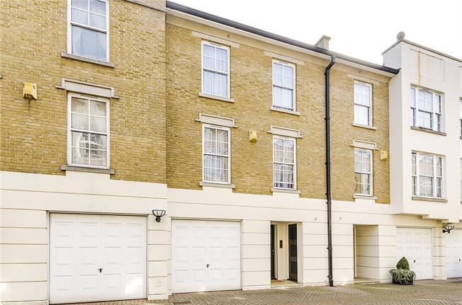 Asking Price £1,250,000, 3 Bedroom House For Sale in London, SW1V