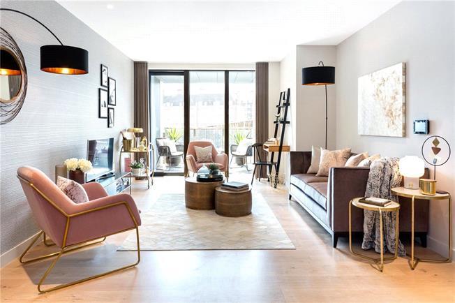 Asking Price £1,490,000, 3 Bedroom Flat For Sale in London, SW1V
