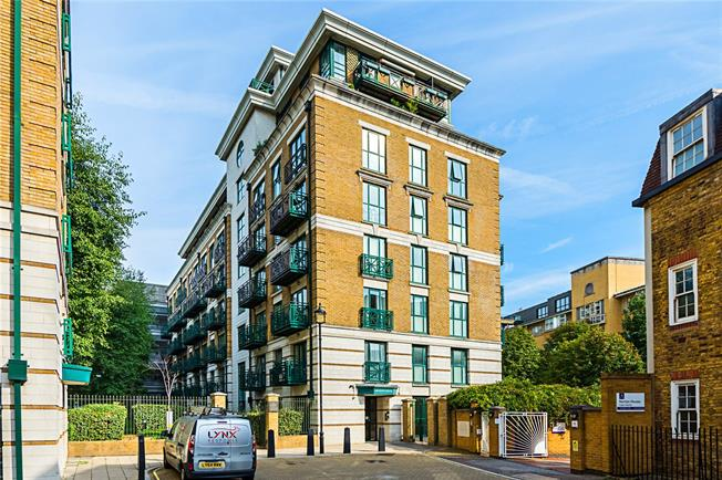 Asking Price £725,000, 2 Bedroom Flat For Sale in London, SW1P