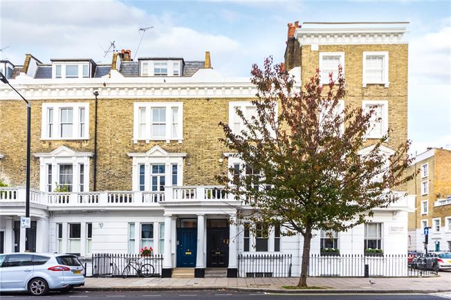 Asking Price £1,495,000, 3 Bedroom Flat For Sale in London, SW1V