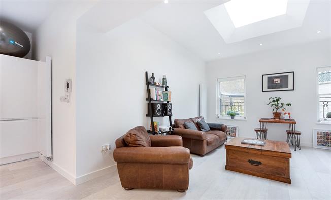 Asking Price £699,500, 1 Bedroom Flat For Sale in London, SW1V