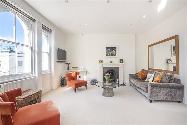 Asking Price £695,000, 2 Bedroom Flat For Sale in London, SW1V