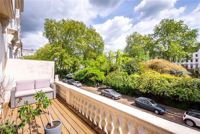 Asking Price £850,000, 1 Bedroom Flat For Sale in London, SW1V