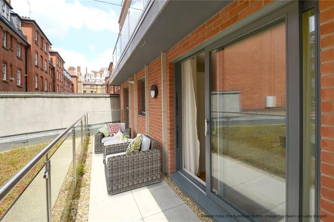 Asking Price £650,000, 1 Bedroom Flat For Sale in London, SW1P