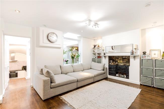 Asking Price £839,950, 2 Bedroom Flat For Sale in London, SW1V