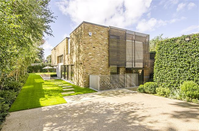 Guide Price £3,500,000, 6 Bedroom Detached House For Sale in London, SW15