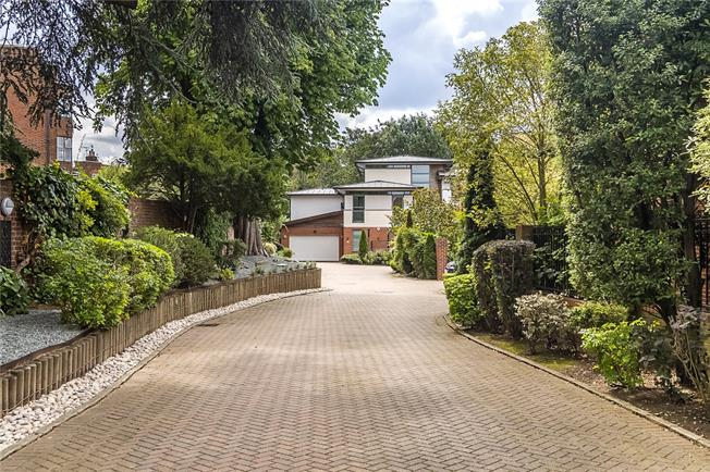 Guide Price £3,950,000, 5 Bedroom Detached House For Sale in London, SW15