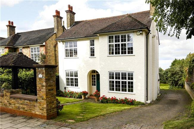 Asking Price £2,350,000, 4 Bedroom Detached House For Sale in London, SW15