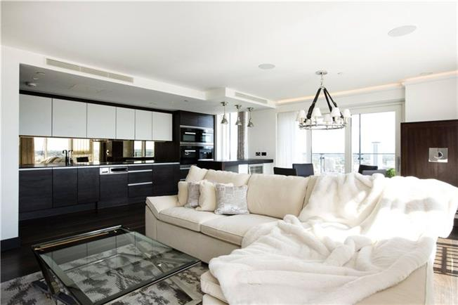 Asking Price £1,150,000, 3 Bedroom Flat For Sale in London, SW18