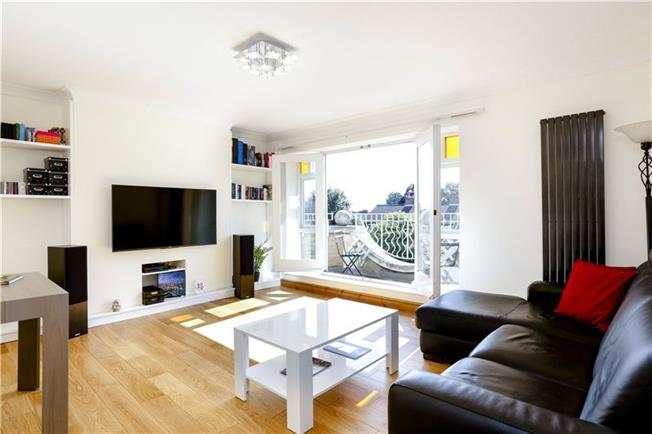 Asking Price £639,950, 2 Bedroom Flat For Sale in London, SW15