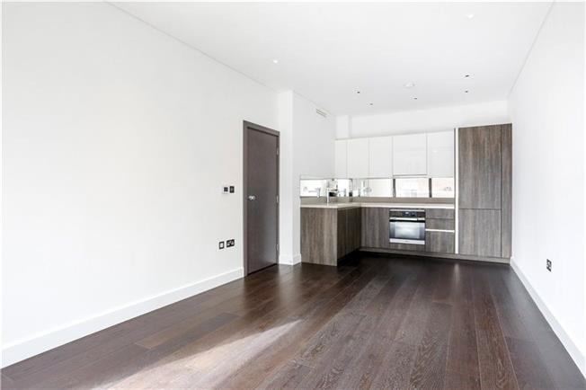 Asking Price £675,000, 2 Bedroom Flat For Sale in London, SW15