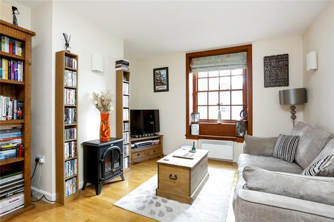 Asking Price £619,950, 2 Bedroom Flat For Sale in London, SW15