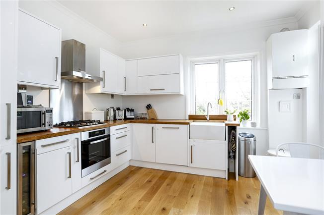 Asking Price £595,000, 3 Bedroom Flat For Sale in London, SW15