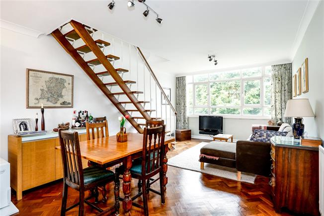 Asking Price £530,000, 2 Bedroom Flat For Sale in London, SW15