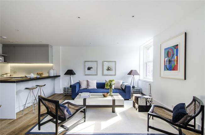 Asking Price £695,000, 2 Bedroom Flat For Sale in Putney, SW15