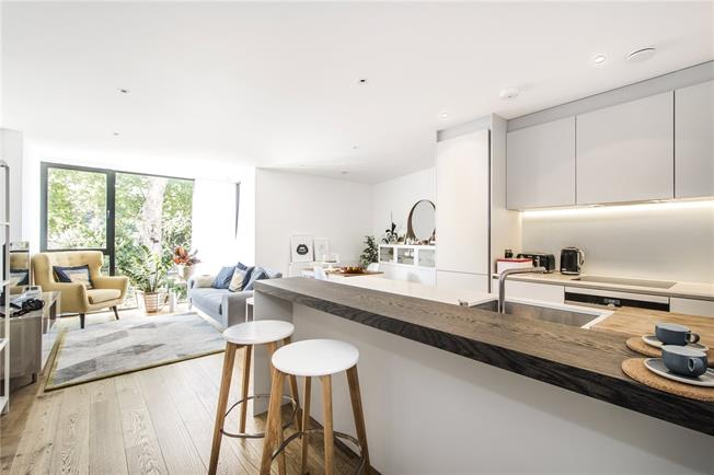 Asking Price £775,000, 3 Bedroom Flat For Sale in London, SW15