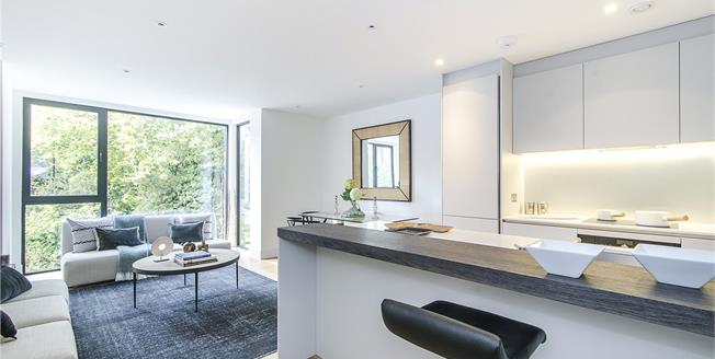 Asking Price £895,000, 3 Bedroom Flat For Sale in London, SW15
