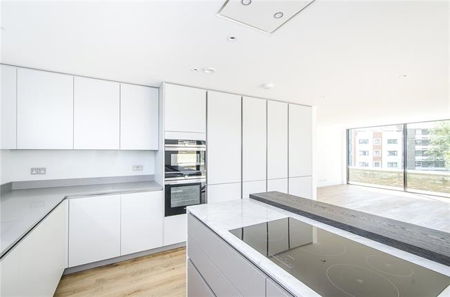 Asking Price £1,150,000, 3 Bedroom Flat For Sale in London, SW15
