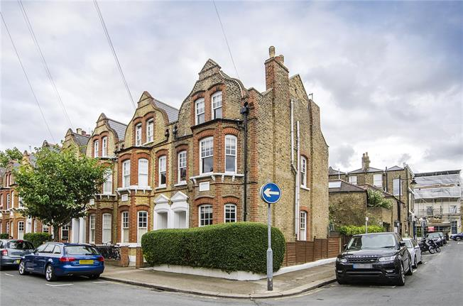 Asking Price £1,950,000, 4 Bedroom Semi Detached House For Sale in London, SW15