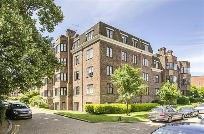 Asking Price £999,950, 3 Bedroom Flat For Sale in London, SW15