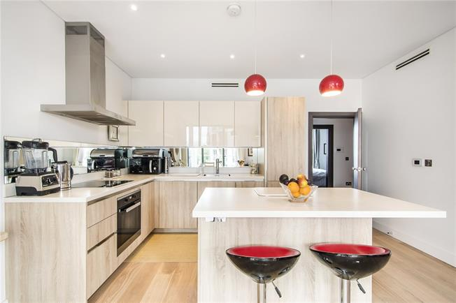 Asking Price £1,000,000, 2 Bedroom Flat For Sale in London, SW15