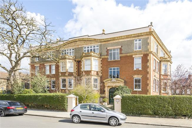 Asking Price £1,000,000, 4 Bedroom Flat For Sale in London, SW15