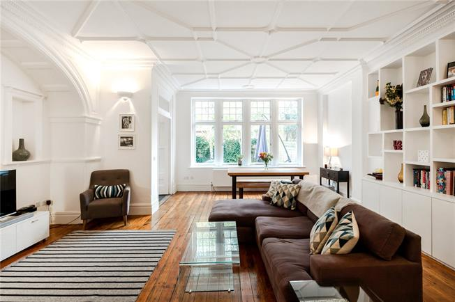 Asking Price £899,050, 2 Bedroom Flat For Sale in London, SW15