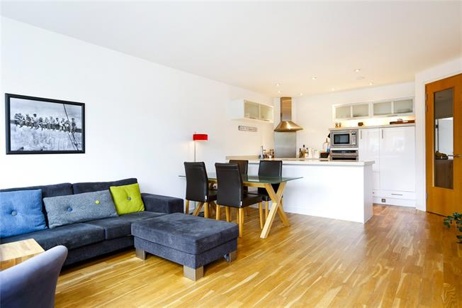 Asking Price £689,950, 2 Bedroom Flat For Sale in London, SW15