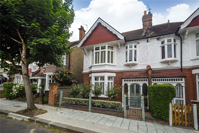 Asking Price £1,475,000, 4 Bedroom Semi Detached House For Sale in London, SW15
