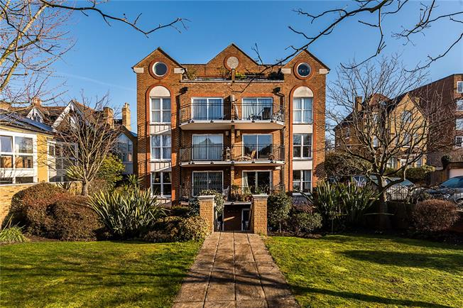 Asking Price £489,950, 1 Bedroom Flat For Sale in London, SW15