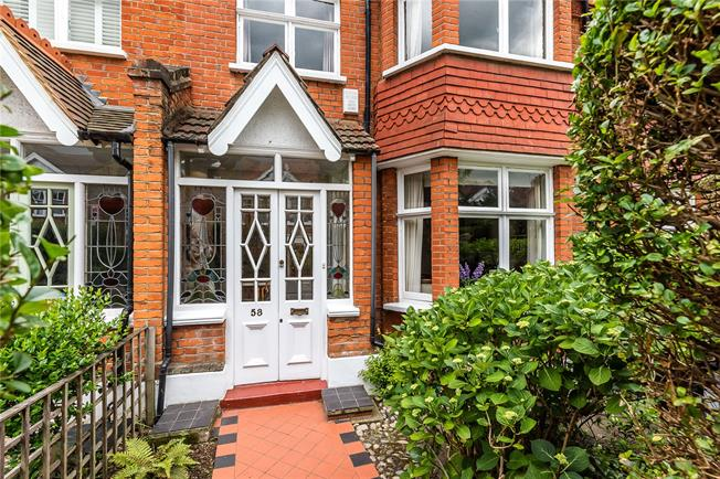 Asking Price £1,695,000, 5 Bedroom House For Sale in London, SW15