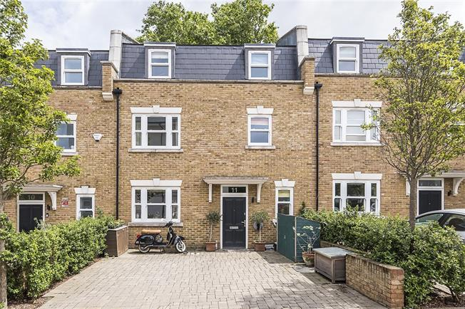 Asking Price £995,000, 4 Bedroom House For Sale in London, SW15
