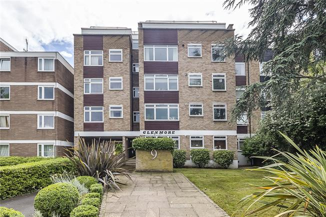 Asking Price £399,000, 2 Bedroom Flat For Sale in London, SW15