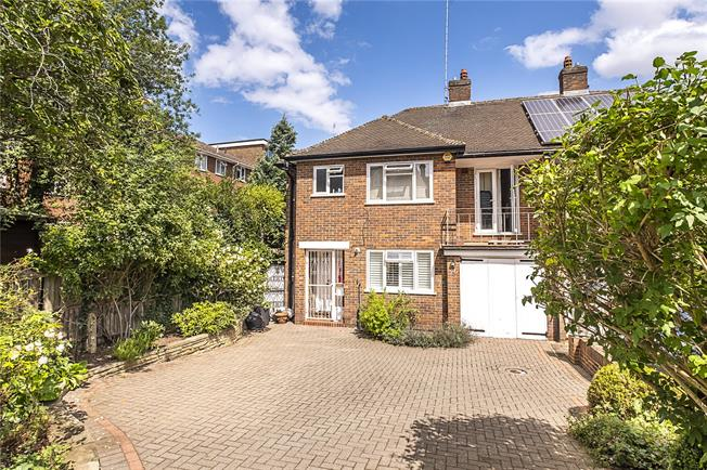 Asking Price £1,075,000, 3 Bedroom Semi Detached House For Sale in London, SW15