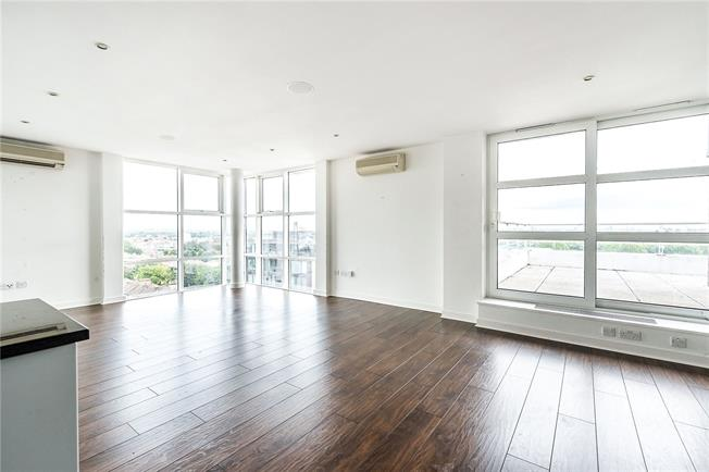 Asking Price £1,100,000, 2 Bedroom Flat For Sale in London, SW15