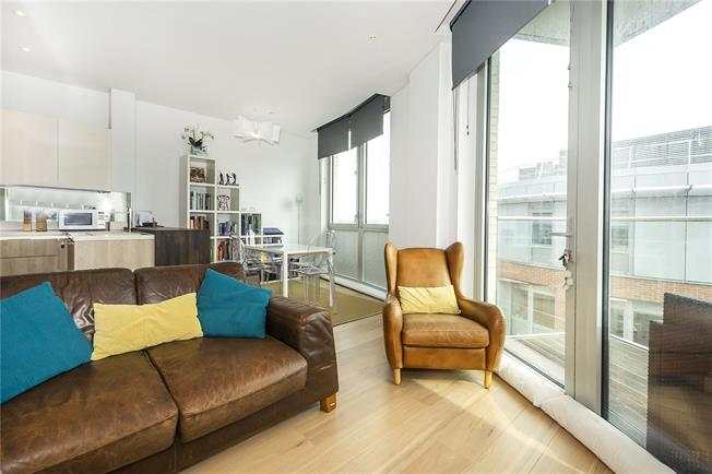 Asking Price £699,999, 2 Bedroom Flat For Sale in London, SW15