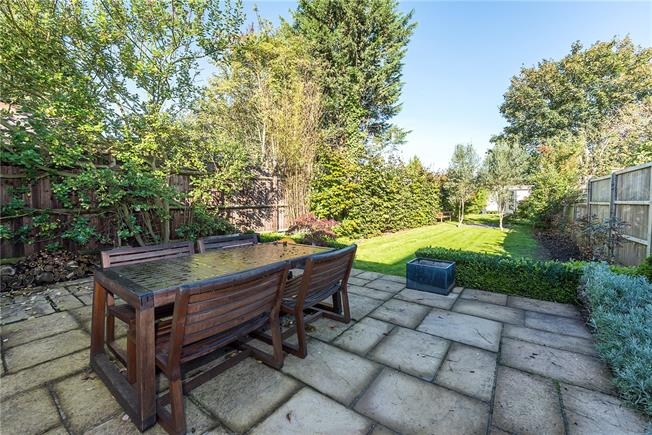 Asking Price £1,250,000, 3 Bedroom Semi Detached House For Sale in Ham, TW10