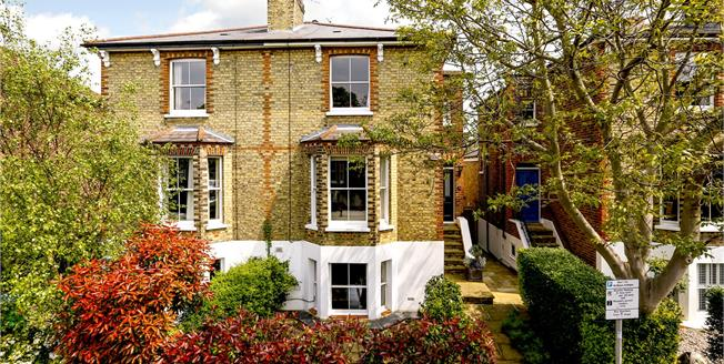 Asking Price £1,895,000, 4 Bedroom Semi Detached House For Sale in Richmond, TW9