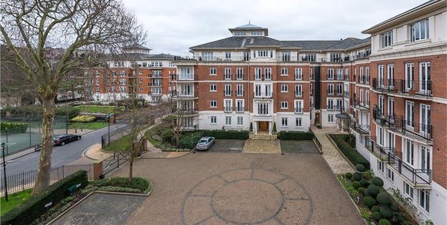 Asking Price £1,050,000, 2 Bedroom Flat For Sale in East Twickenham, TW1