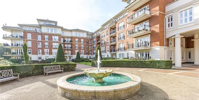 Asking Price £1,500,000, 3 Bedroom Flat For Sale in Twickenham, TW1