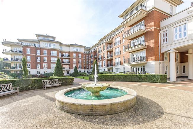 Asking Price £1,500,000, 3 Bedroom Flat For Sale in East Twickenham, TW1