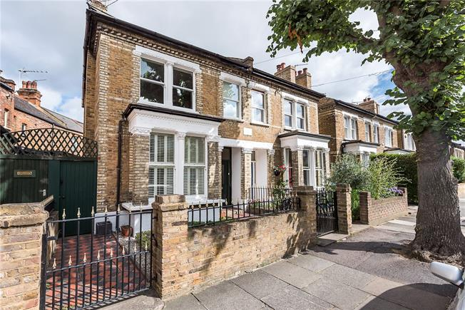 Asking Price £1,195,000, 3 Bedroom Semi Detached House For Sale in Twickenham, TW1
