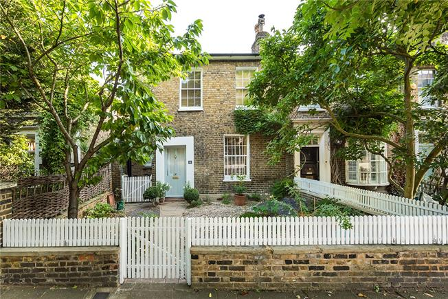Asking Price £995,000, 3 Bedroom Terraced House For Sale in Richmond, TW9