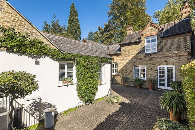 Offers in excess of £1,500,000, 3 Bedroom Detached House For Sale in Richmond, TW10