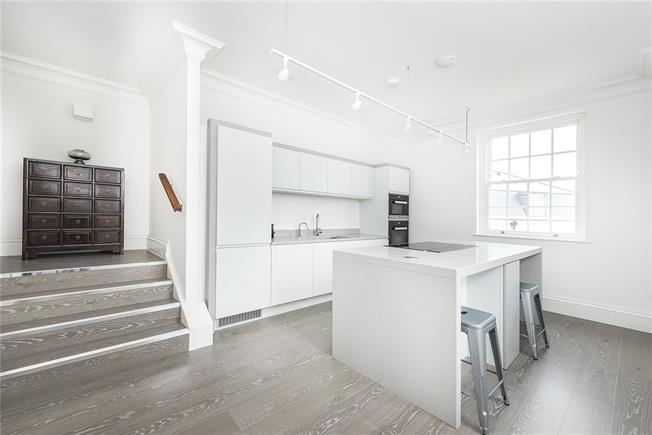 Asking Price £865,000, 2 Bedroom Flat For Sale in Isleworth, TW7