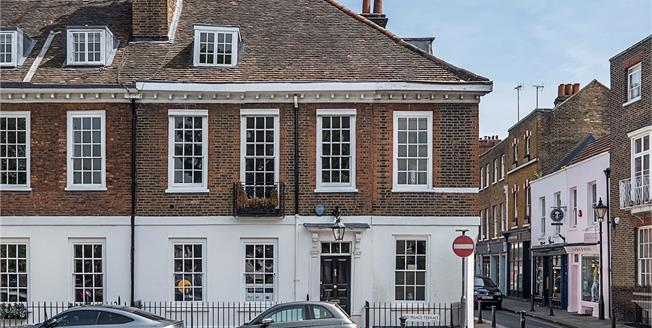 Guide Price £2,995,000, 5 Bedroom House For Sale in Richmond Green, TW9