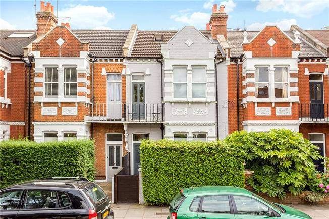 Asking Price £1,350,000, 5 Bedroom Terraced House For Sale in Twickenham, TW1